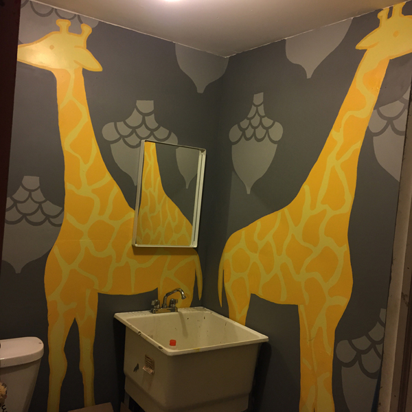 Murals, fabrics, repeating designs Giraffe Bathroom