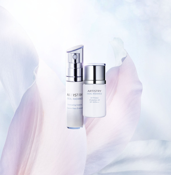 Cosmetics Ideal Radiance Petals