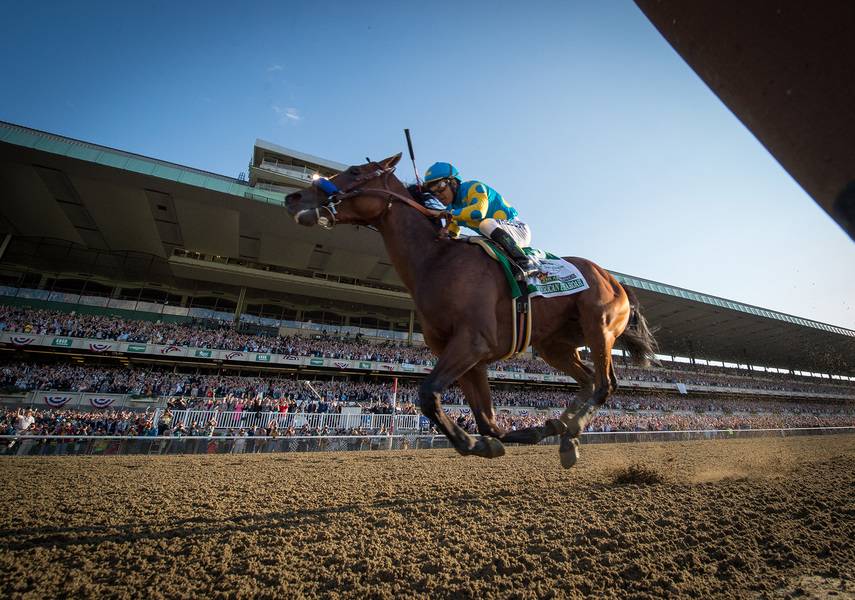 Sports American Pharoah wins the 2015 Belmont Stakes and Triple Crown