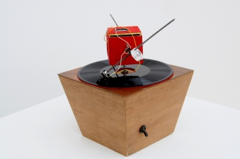 CHEYMORE GALLERY THE SUMMER GROUP 2012 Story and record player by Benjamin Folstein and Kyle Simon