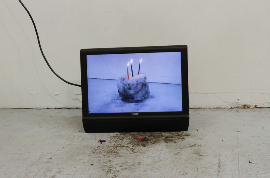 Alternative Celebrations Snow cake (video installation)