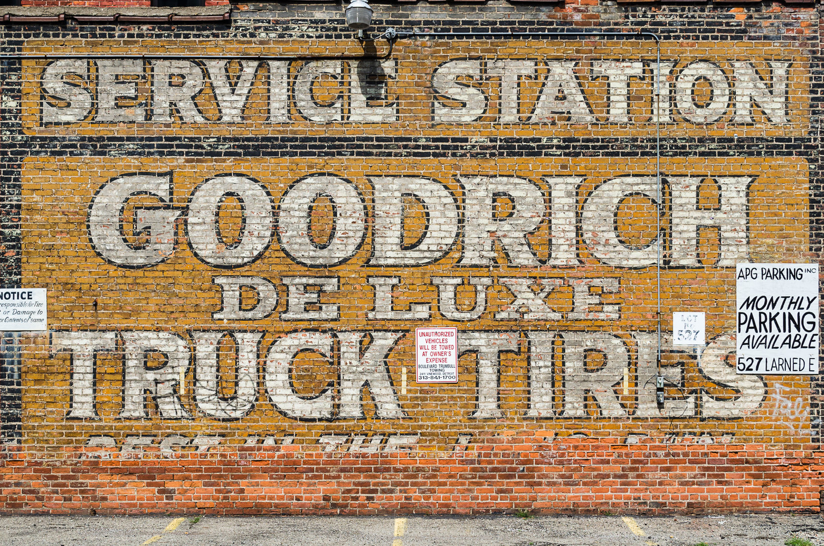Signs Goodrich Tires