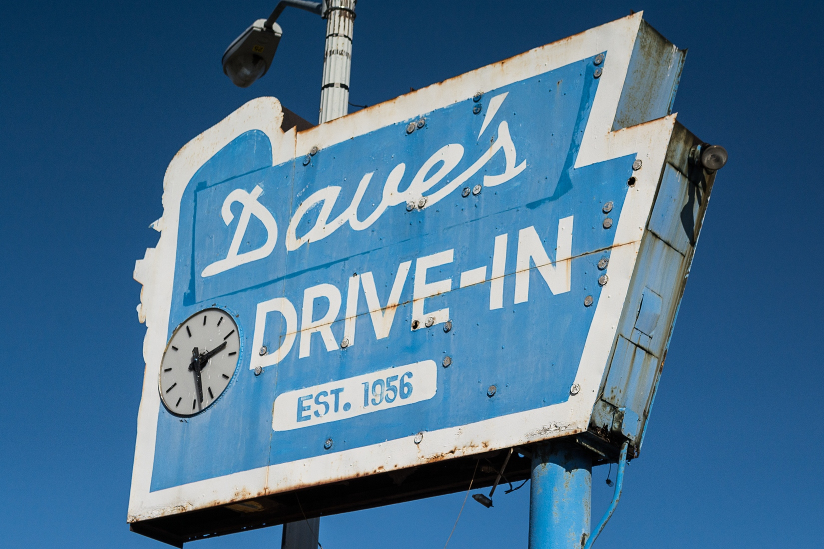 Signs Dave's Drive-In