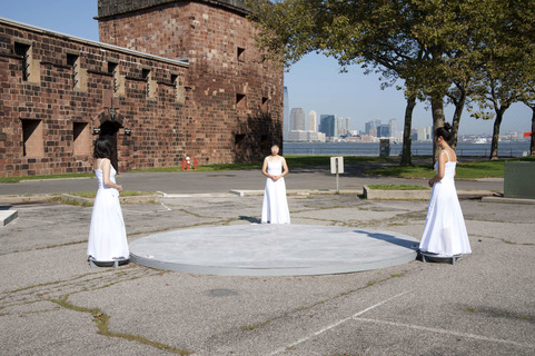 A Zero State <br>Governors Island, New York 2011<br> Installation view, 14' diameter circle platform