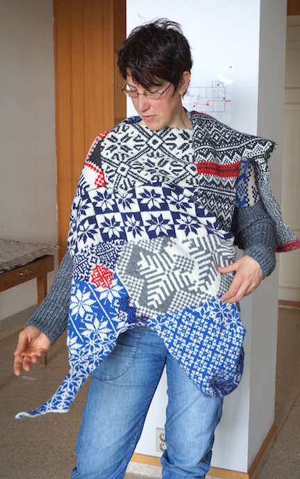 2015 . How to Wear a Hardangerfjord Norwegian wool knit + worn by artist Simone Hooymans (NL)