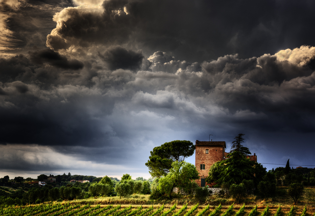 Landscapes Gallery Tuscan Farmhouse  ©