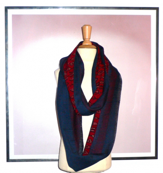 past collections-scarves  Le Loop armée bleue