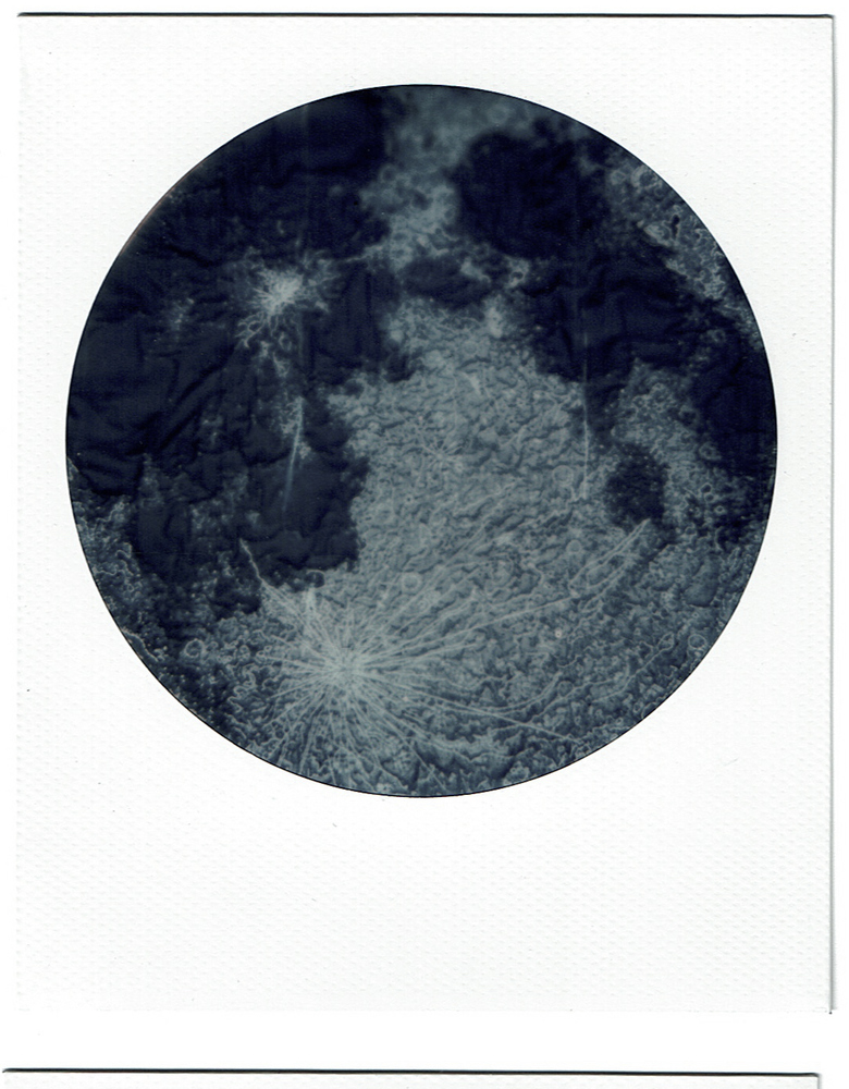 STUDIO While Circle Frame Polaroid of Moon Embroidery, 2017