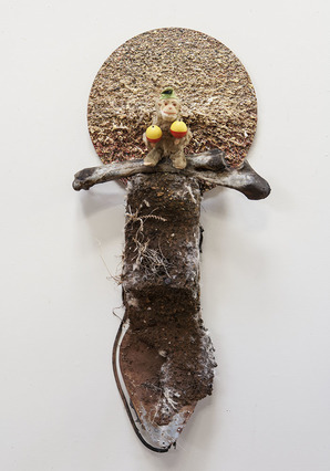 K  R  I  S   C  O  X  sculpture & vessels pigmented wood putty, bone, found objects