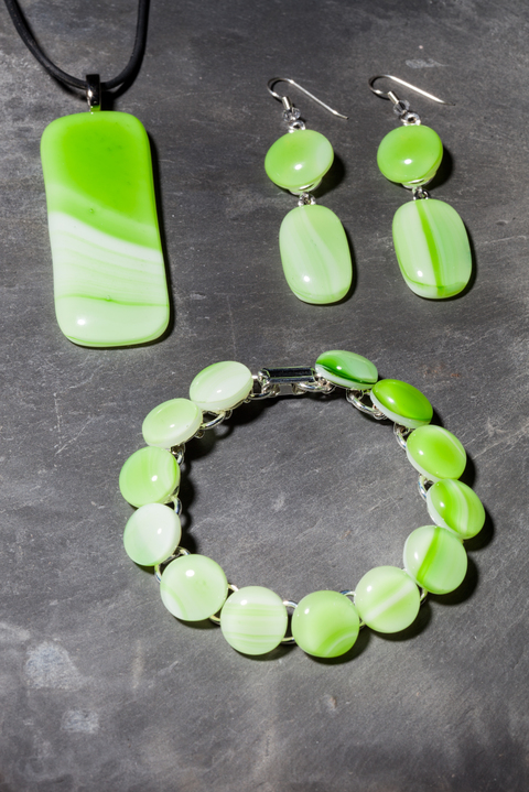 Glass Wear Green swirl pendant, earring and bracelet set