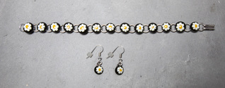 Murano daisy dots bracelet and earrings