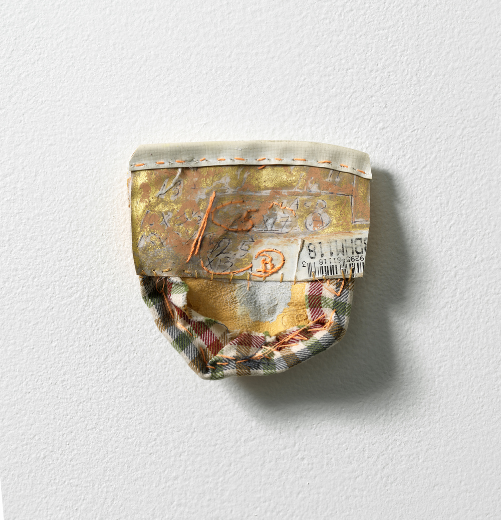 Nicola Ginzel  OBJECT  installations Glove part, thread, paper, thread, 23k gold, oil pastel, paint, rucksack part,