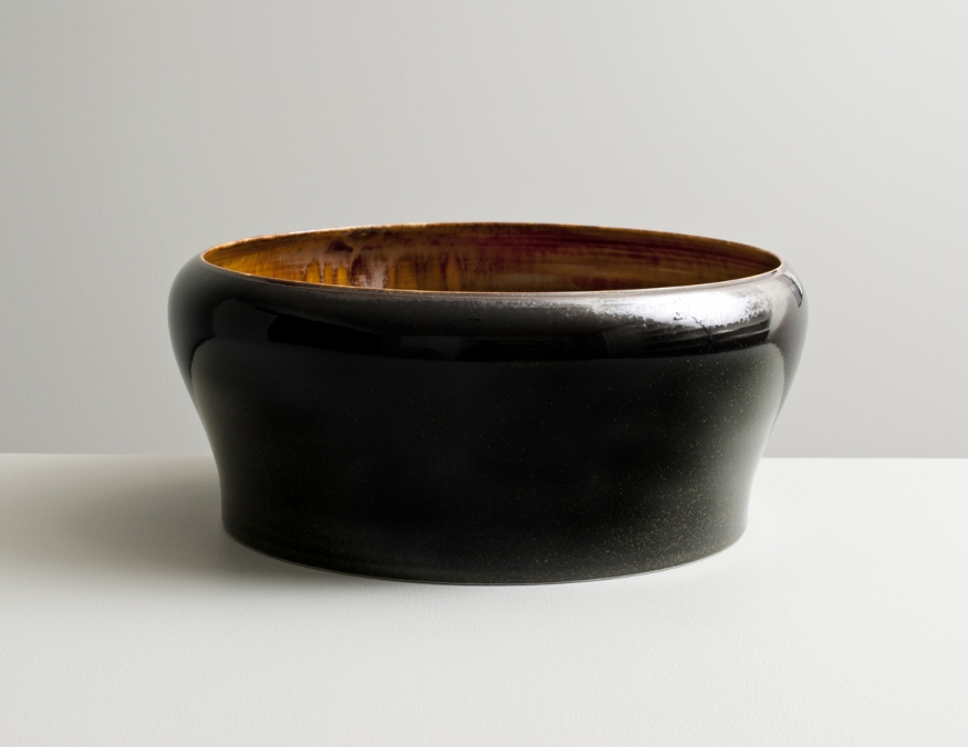 2012 Large form with inverted lip in amber and mirror-black glazes (#121015)