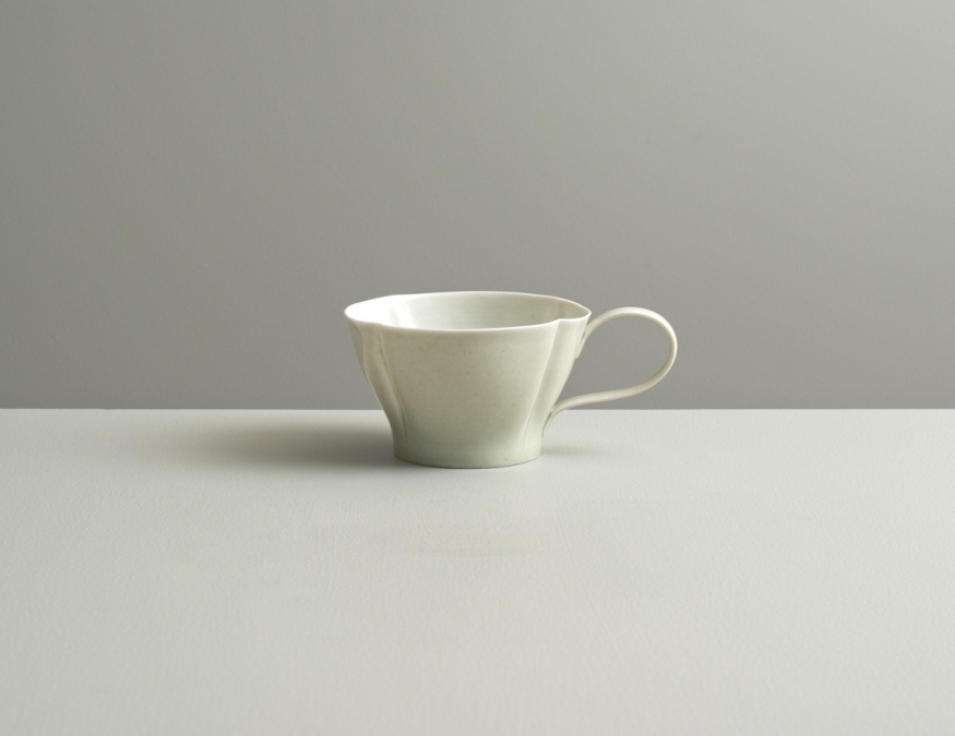 2012 Scalloped cup in ivory and ivory-green glazes (#121052)