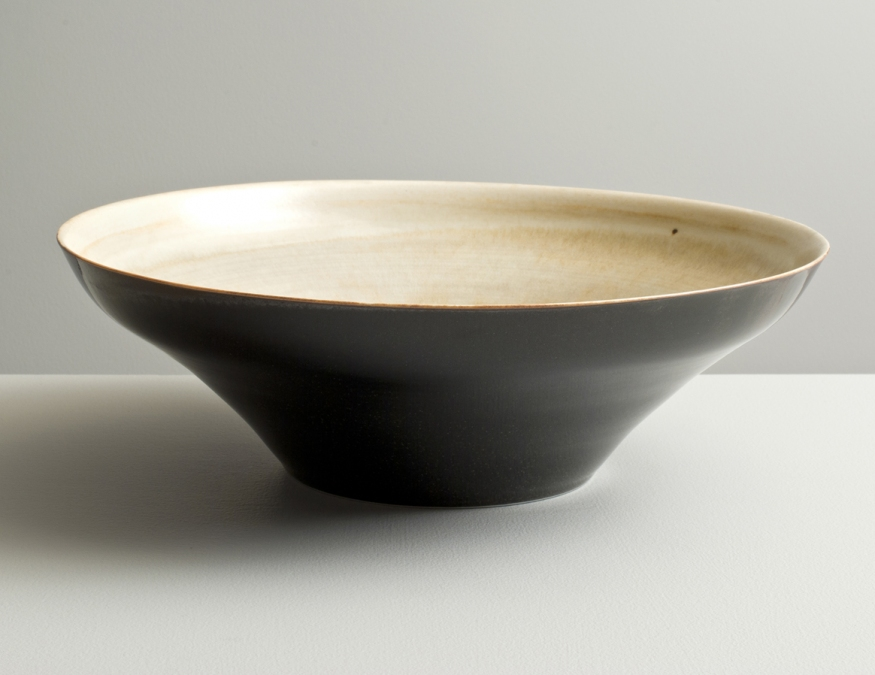 2012 Large low bowl in variegated-ivory and speckled-black glazes (#121043)
