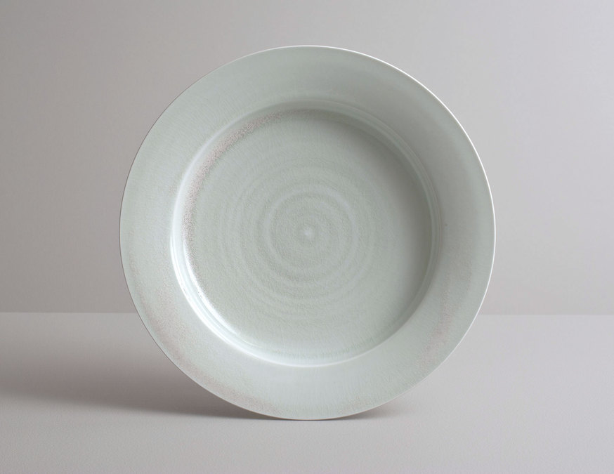 2014 Large plate in variegated celadon glaze (#140338)