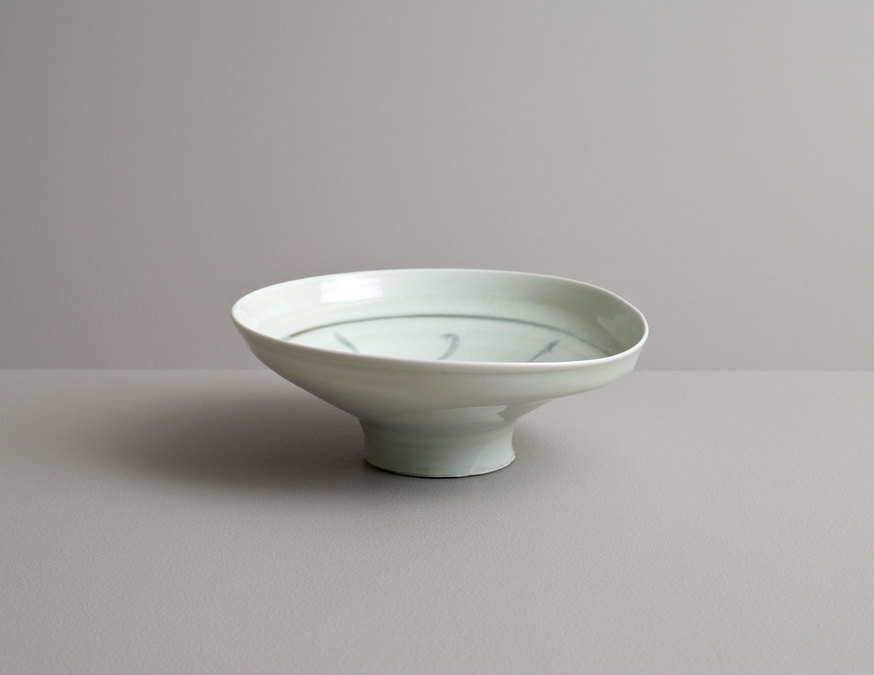 2014 Wavering high-footed bowl in celadon with cobalt underglaze