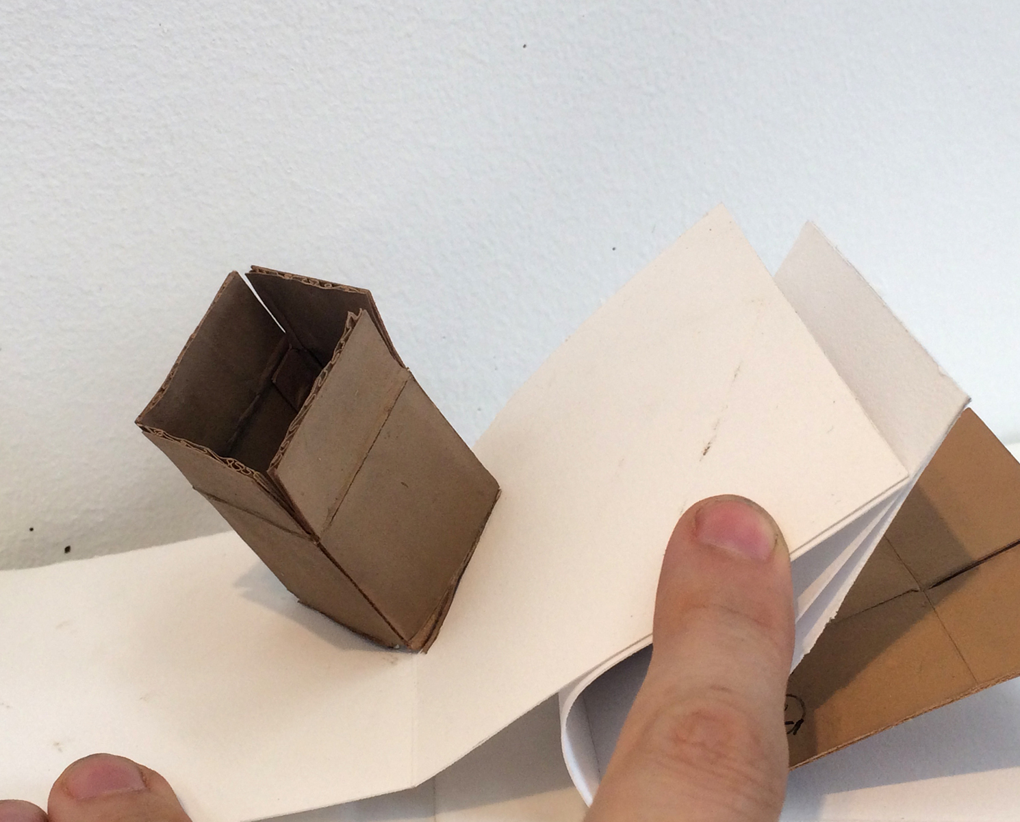 piles, boxes and other containers Boxes (Pop-up book detail)