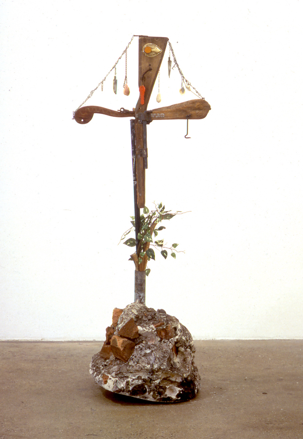 sculpture nigmatic cross