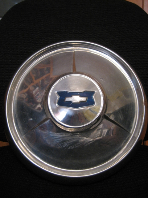 OTHER PROJECTS Chevrolet Hubcap(before)