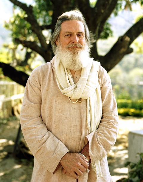 <b>The Searchers (Part II)</b> Devotee and assistant to American guru ShantiMayi (Rishikesh, India)