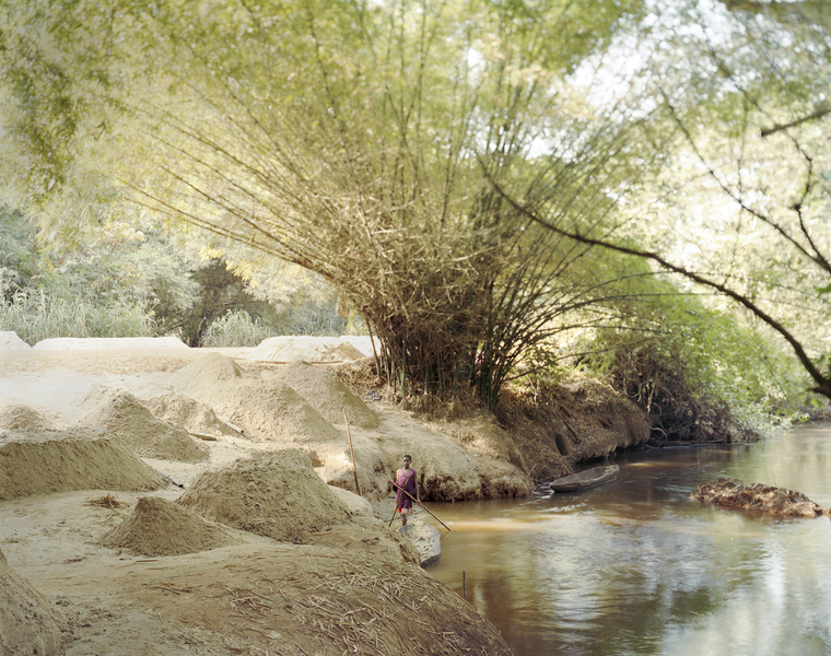 <b>Republic of Dust</b> Boy gathering sand from the river-bank