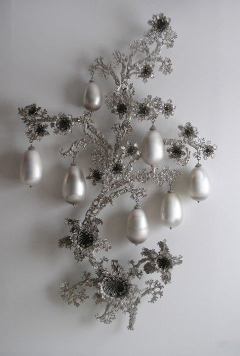 T i m o t h y  H o r n ADAA/ The Art Show: Julie Heffernan & Timothy Horn mirrored blown glass, nickel-plated bronze