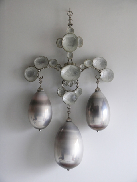 T i m o t h y  H o r n 13 Moons mirrored blown glass, nickel-plated bronze, cast lead crystal