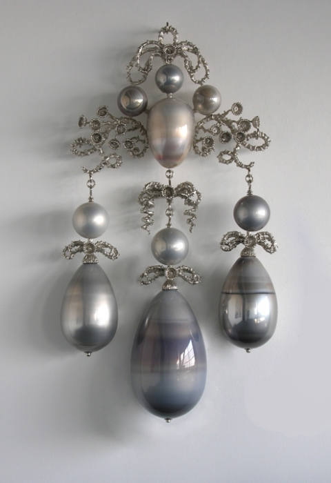 T i m o t h y  H o r n 13 Moons mirrored blown glass, nickel-plated bronze