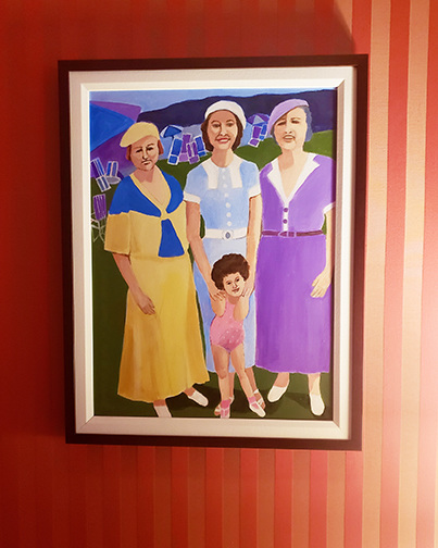 Installations Young Marilyn and Family