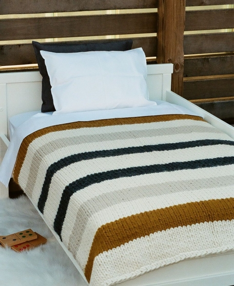 AFFINITA' MODERNE HAND-KNIT BLANKETS - TODDLER & THROWS