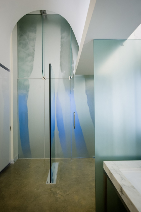 Anne Peabody Hide and Seek, 2013 : 21c Museum : Bentonville, Arkansas Glass, aluminum