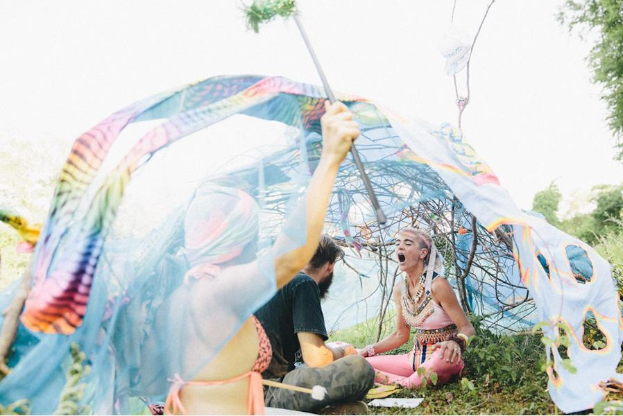 Go!PushPops  Go! Push Pops do BUOY: An Interactive Dance Experience, at the Peace Barn in Deep River, CT, photo: Rebecca Smeyne, Paper Magazine, 2015