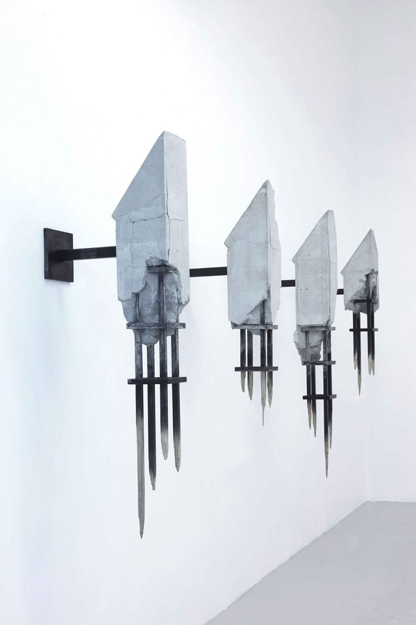 Art Masters This Month Come Di Meglio, Nave, 400x250x50cm, Concrete, Oakwood, steel, 2014