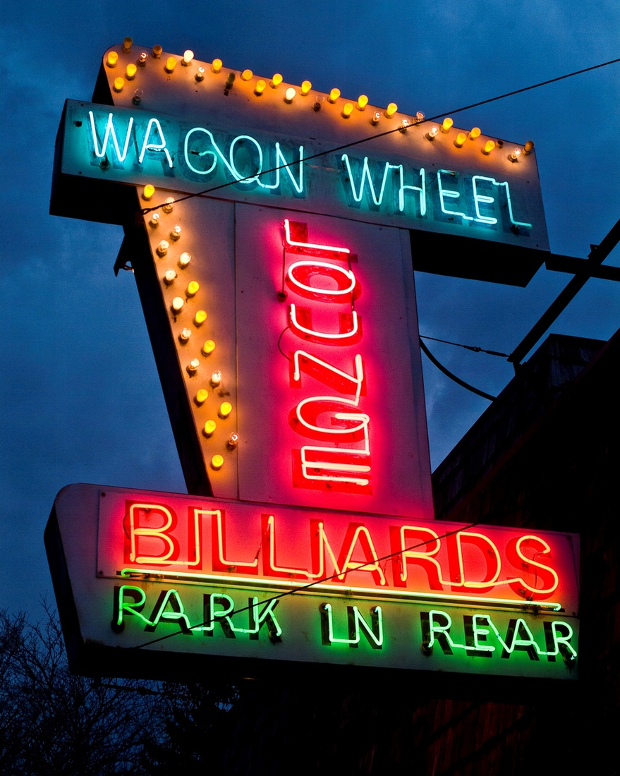 Neon Wagon Wheel - Northville