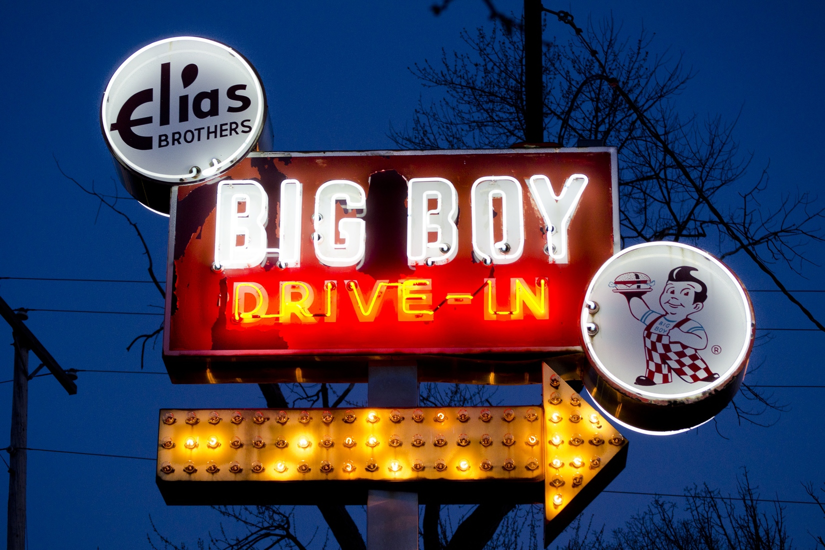Suburbia and Mich-elaneous Livonia, Michigan - Big Boy Neon No. 1