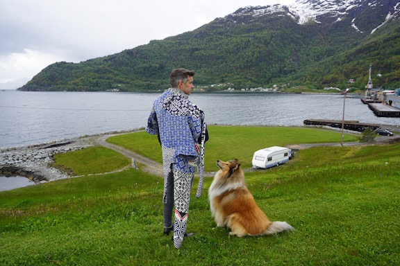 2015 . How to Wear a Hardangerfjord Norwegian wool knit + worn by musician Bjørn Otto Wallevik (NO)