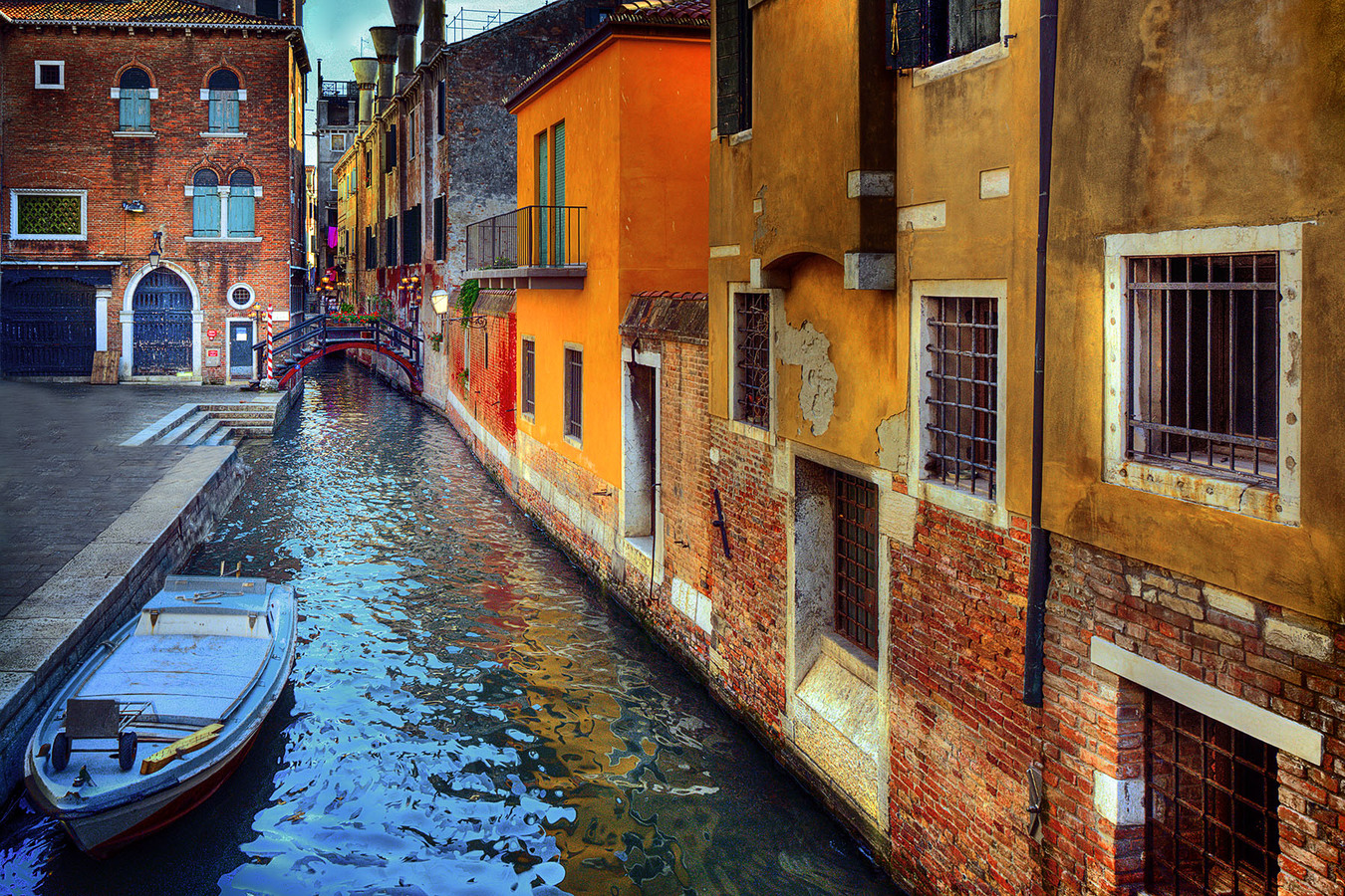 Landscapes Gallery Back Street in Venice  ©