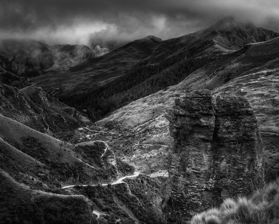 Landscapes Gallery Descent into Middle Earth  ©