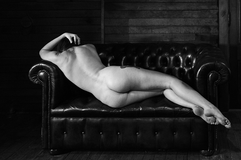 Nude Studies Evyenia and the Couch 4  ©