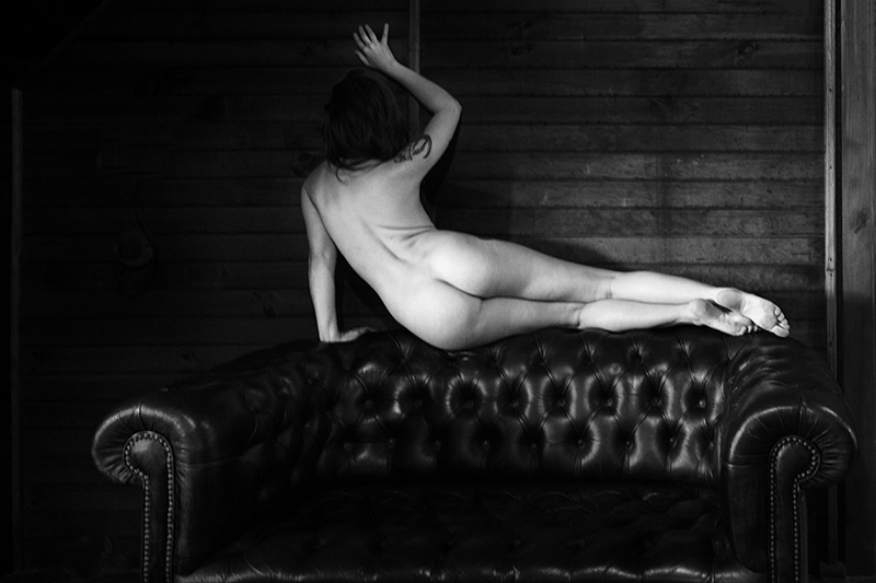Nude Studies Evyenia and the Couch 6  ©