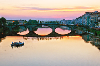 Evening on the Arno in Florence  ©