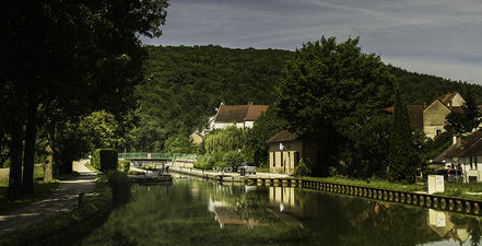 Approaching the Lock on the Canal de Bourgogne  ©