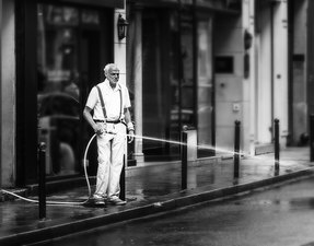 Paris Shopkeeper  ©