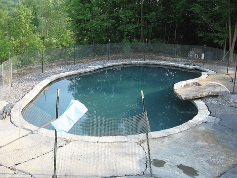 LEISURE POOLS   Pools
