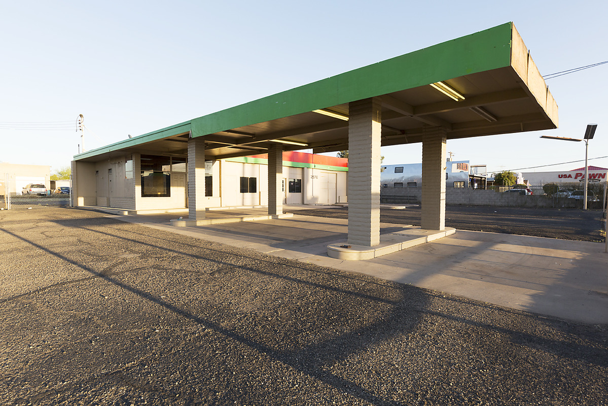 The Architecture of Nowhere (ongoing) Gas Station, Tucson, Arizona  2016