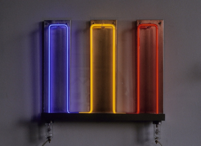 Neon Sculptures 1991-2008 Spectrum Wave
