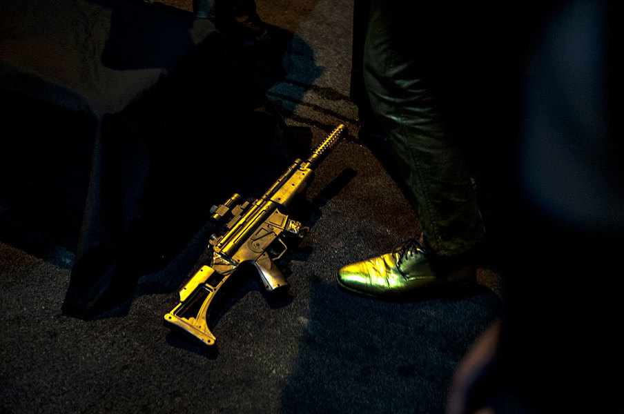 Neonopolis The Golden Gun