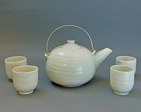 PHYLLIS SAVAGE TEA POTS