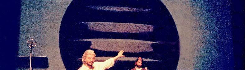 BIOGRAPHY ,  article artwork image 5